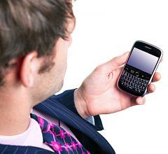 cellularnetworksasmanholdsmobilephone